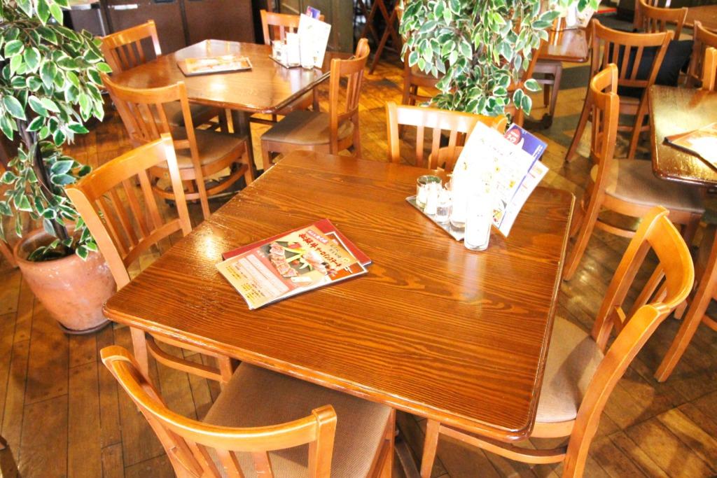 2〜4名テーブル③